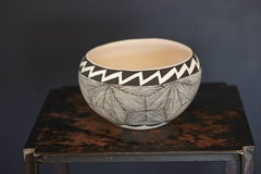Native American Acoma Earthenware Bowl, Painted Black & White Graphic Design 70s