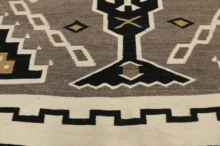 Native American Antique Indian Navajo Kilim Rug with Adirondack Lodge Style In Good Condition For Sale In Dallas, TX