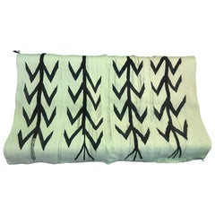 Native American Navajo Handwoven Beige and Black Rug Blanket