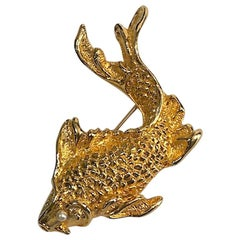Natori 1980s Large Gold Fish Brooch