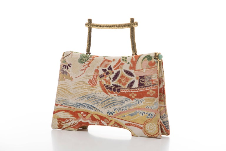 Natori Jacquard Woven Evening Bag In Excellent Condition For Sale In Cincinnati, OH