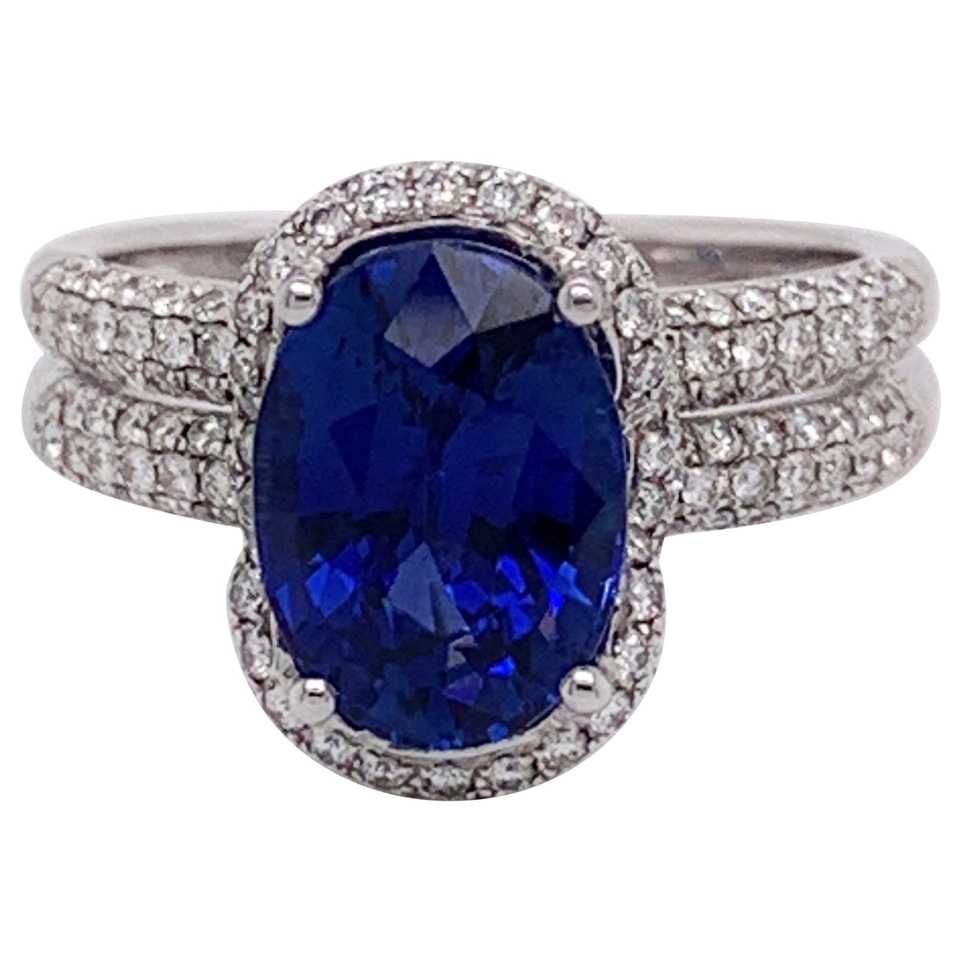 Natural 0val 3.76 Carat Sapphire Diamonds Ring