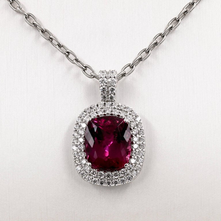 Women's Natural 10.91 Carats Madagascar Tourmaline and Diamond Necklace For Sale