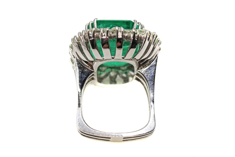 Emerald Cut Natural 25 Carat Colombian Emerald Diamond White Gold Ring For Sale