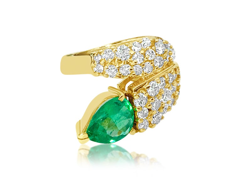 Art Nouveau Natural 4.25 Carat Colombian Emerald and Diamond Ring in 14 Karat Gold For Sale