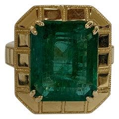 Natural 9.96 Carat Emerald Set in 18 Karat Gold Ring