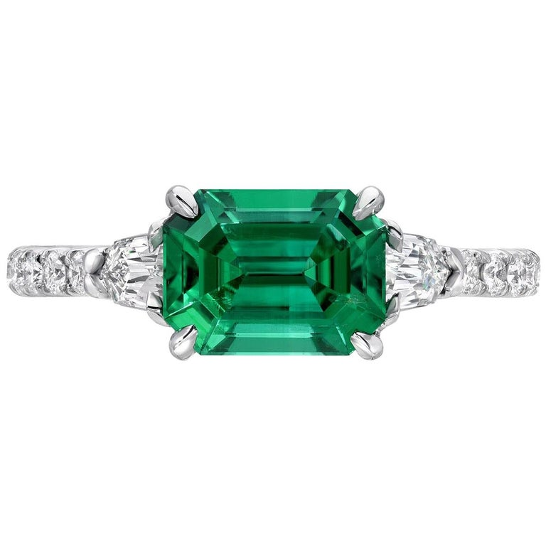 Contemporary Natural Emerald Ring Emerald Cut 1.47 Carat AGL Certified Untreated No Oil For Sale