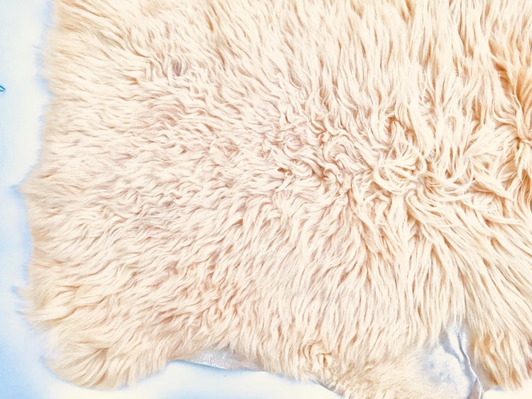 Natural Angora Plush Sheepskin Accent Rug 2