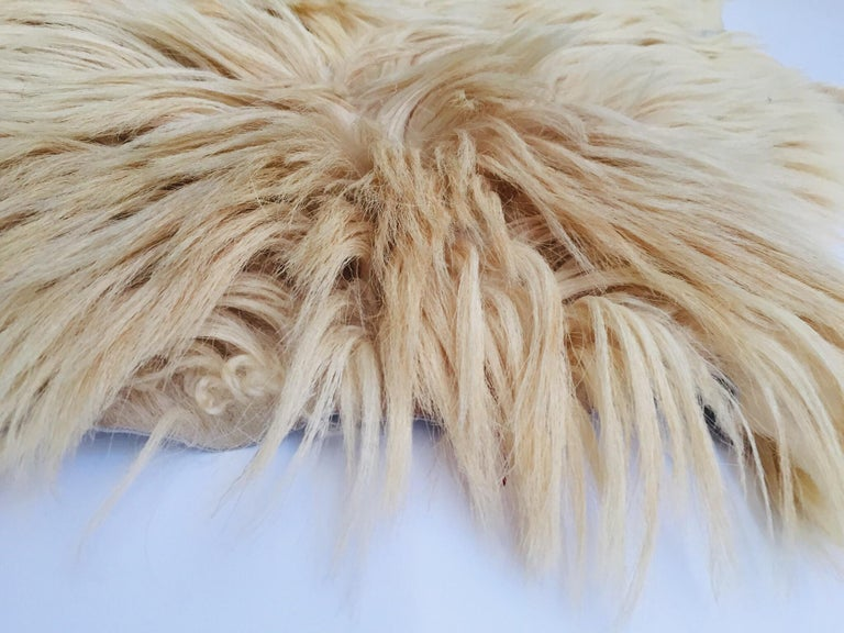 Wool Natural Angora Plush Sheepskin Accent Rug