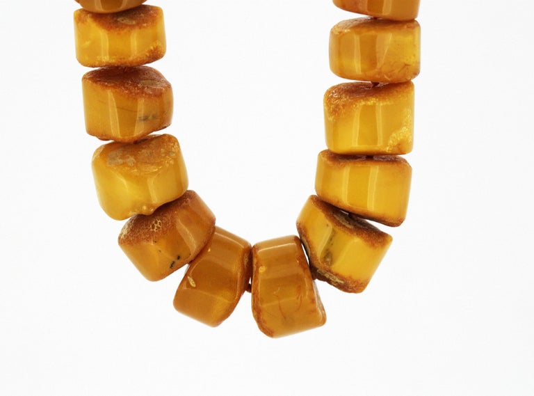 Natural Baltic Amber Necklace in the Form of Tablets For Sale 2