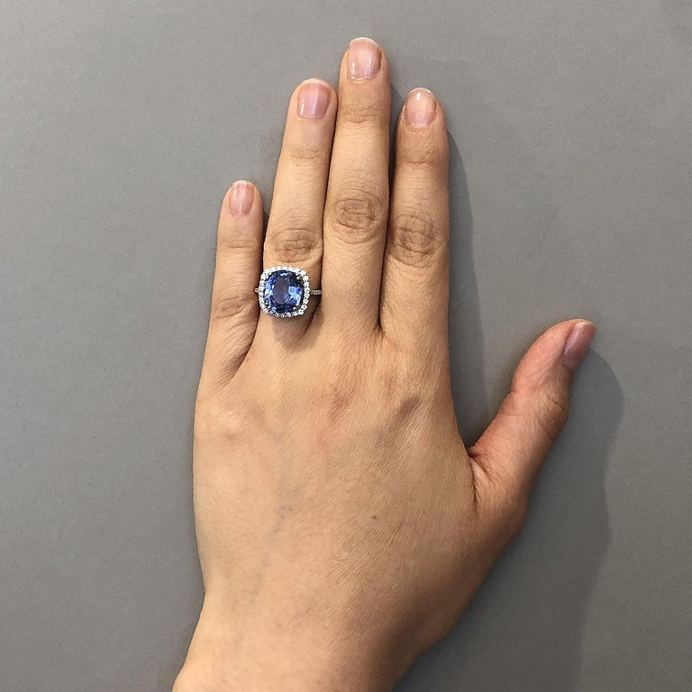 Natural Blue Sapphire Gold Ring, No-Heat Certified For Sale 1