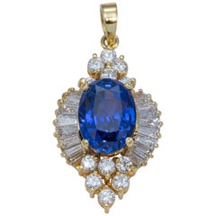 Natural Blue Sapphire Oval Shape Diamond Pendant 6.77 Carat GIA Certified
