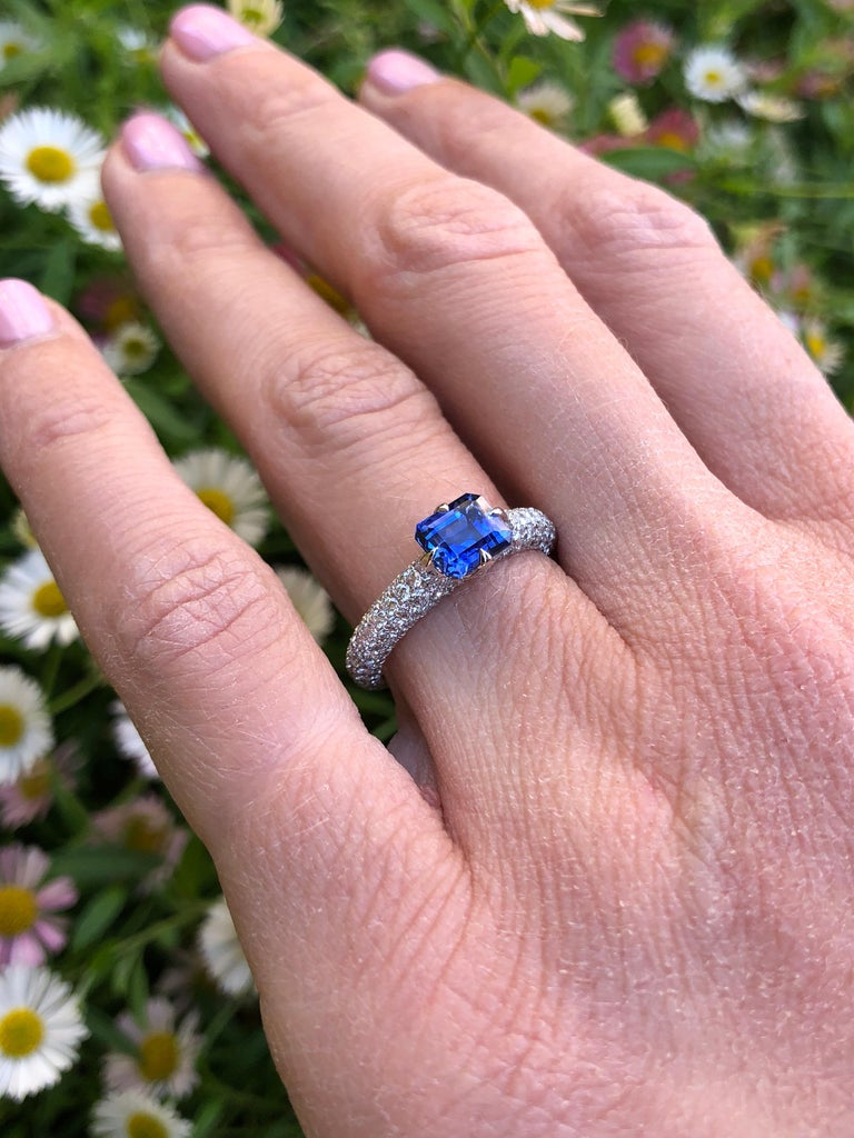 Natural Sapphire Ring Emerald Cut 1.42 Carats AGL Certified Unheated In New Condition For Sale In Beverly Hills, CA