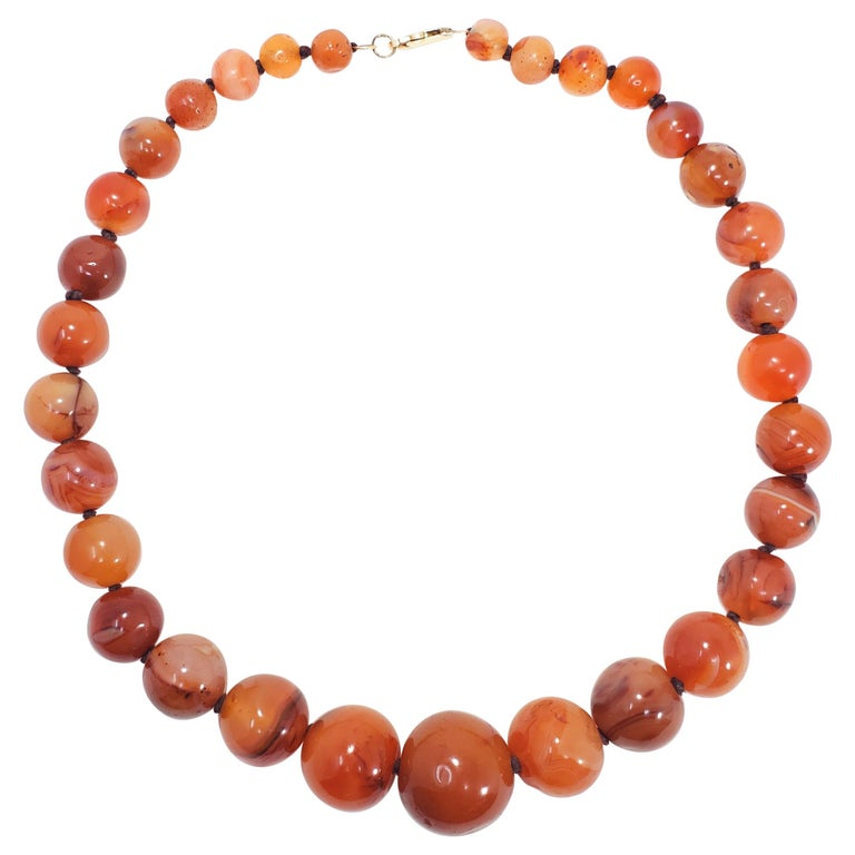 Natural Carnelian Graduated Bead Knotted Necklace, 14 Karat, 585 Gold Clasp For Sale