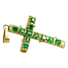 Natural Colombian Emerald Cross Pendant 18 Karat Yellow Gold