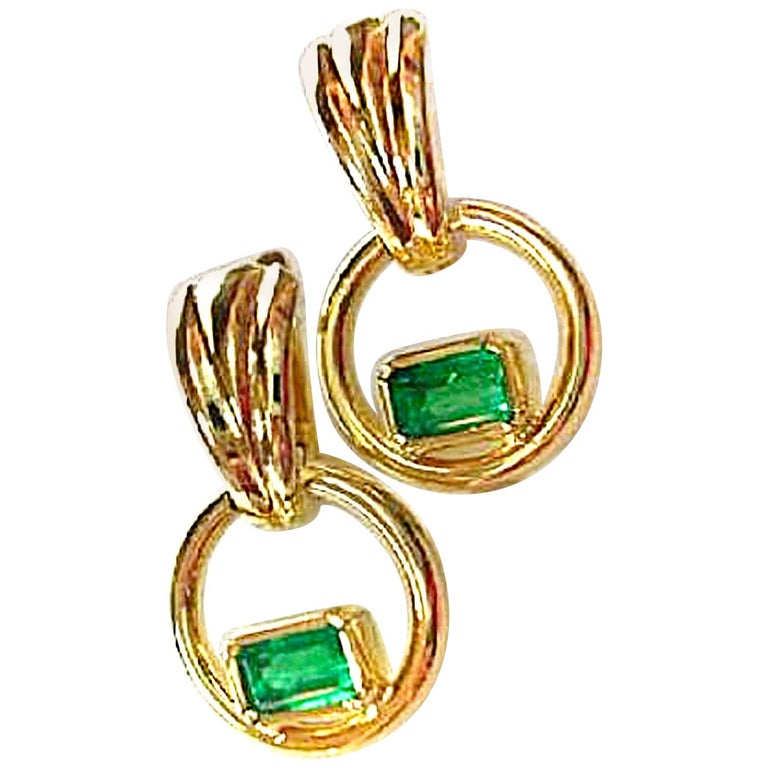 Natural Colombian Emerald Dangle Earrings 18 Karat Gold For Sale