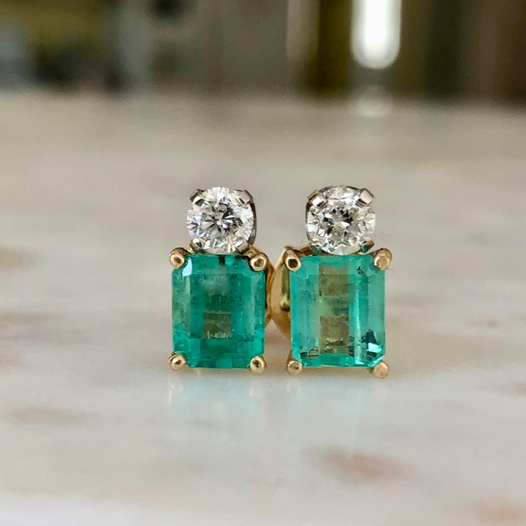 Natural Colombian Emerald Diamond Stud Earrings 18 Karat For Sale 1