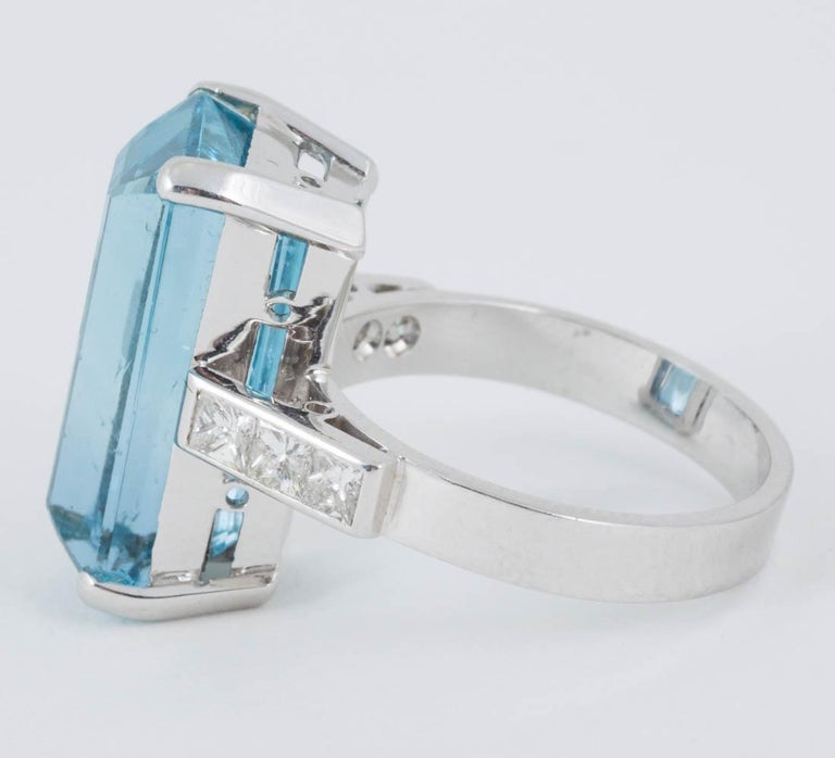 Women's Natural Color Aquamarine and Diamond Mounted in 18 Carat Gold Ring For Sale