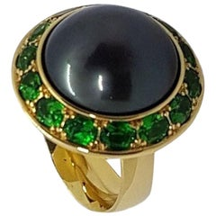 Natural Colored Tahitian Pearl Tsavorite 3.11 Carat Yellow Gold Ring