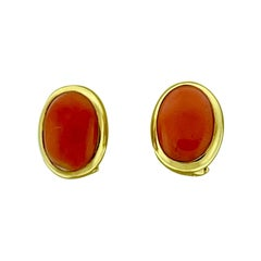 Natural Coral Simple Stud Earring in 14 Karat Yellow Gold