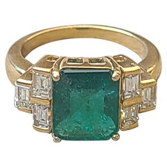 Natural Emerald and Diamond Ring Set in 18 Karat Gold