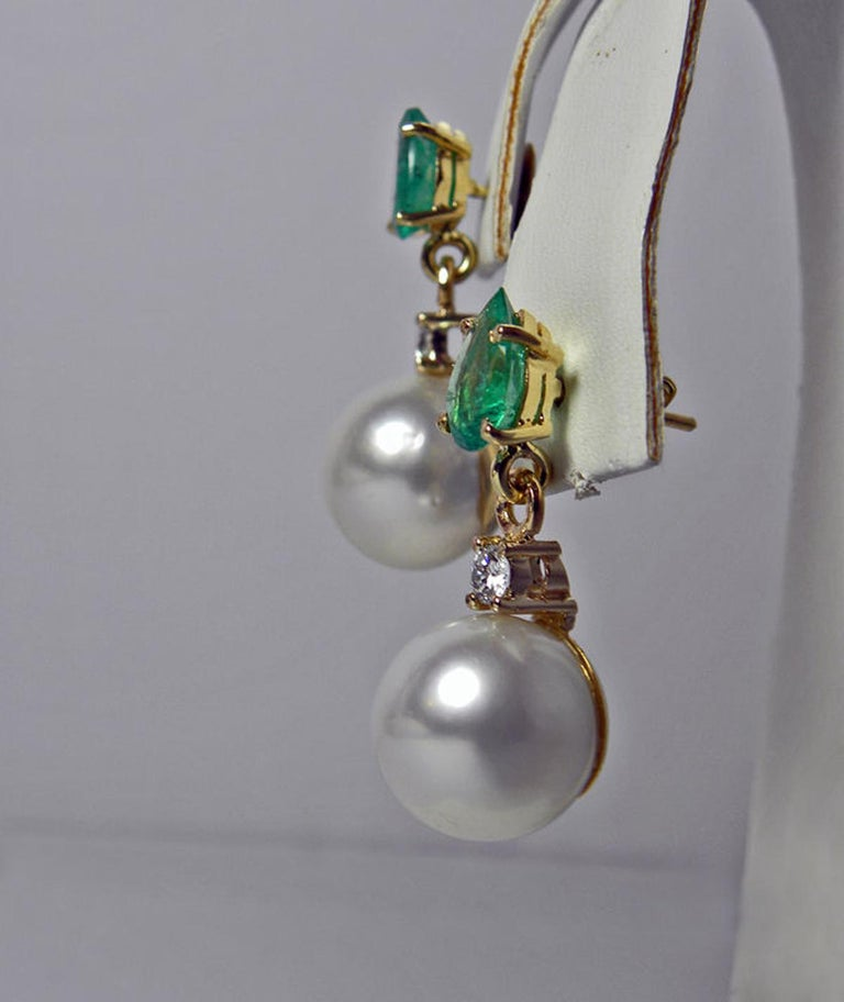 Natural Emerald Diamond and South Sea White Pearl Dangle Earrings 18 Karat For Sale 2