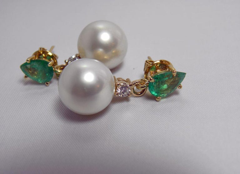 Natural Emerald Diamond and South Sea White Pearl Dangle Earrings 18 Karat For Sale 3