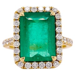 Natural Emerald Ring 5 Carat with Diamond Halo, 18k Yellow Gold Green Emerald