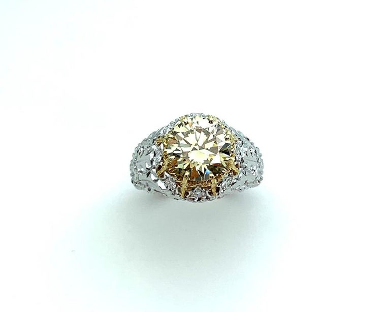 Natural Fancy Green 3.11 ct. Diamond GIA, 18k White, Yellow Gold Handmade Ring For Sale 3