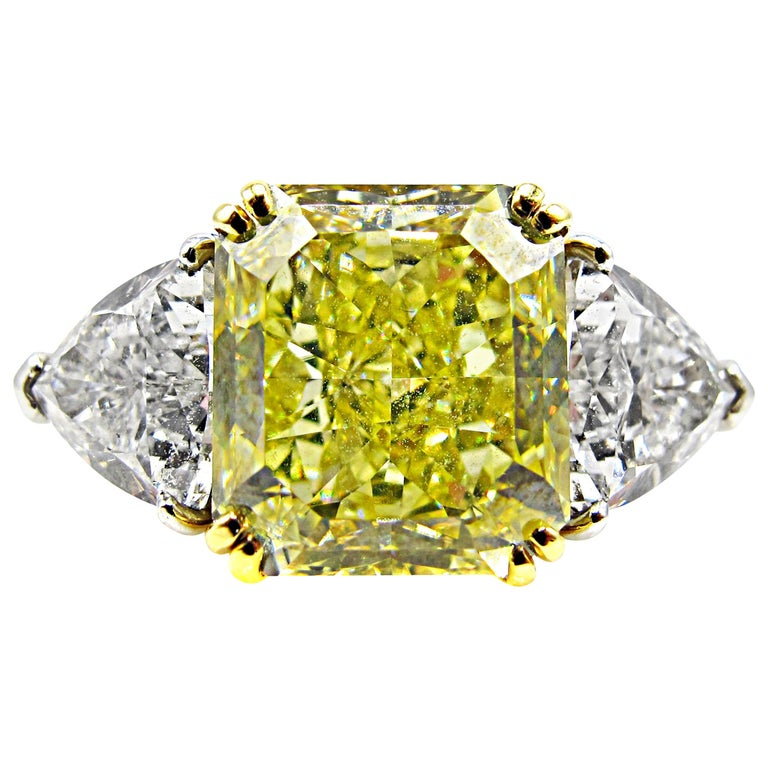 Natural Fancy Yellow Radiant Cut 6.15 Carat Diamond Engagement Ring For Sale