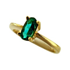 Natural Fine Natural Oval Colombian Emerald Solitaire Ring 18 Karat Gold