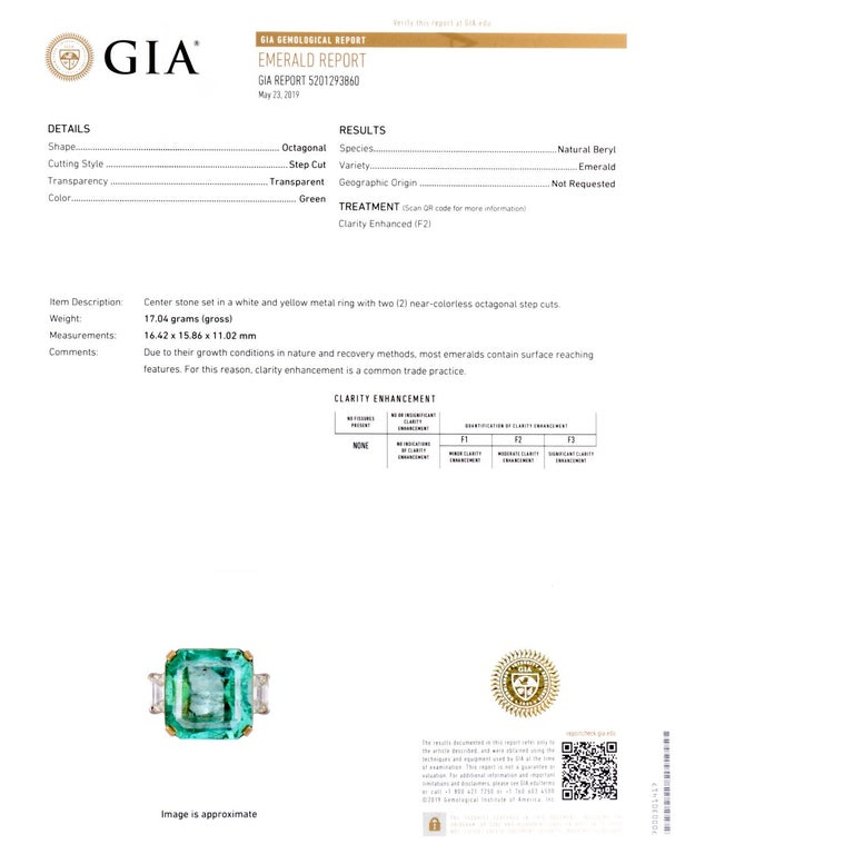 Natural GIA Emerald 3-Stone Platinum 18 Karat Engagement Cocktail Ring In Excellent Condition For Sale In Miami, FL