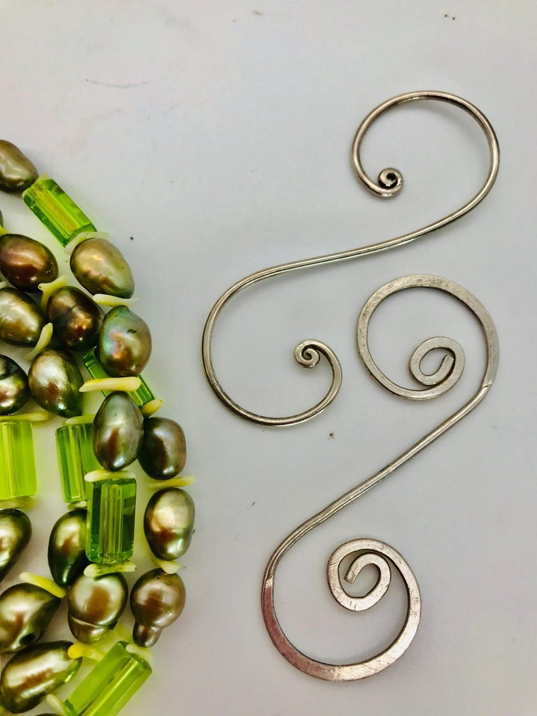 Natural green Pearls and  Peridot Stones with Silver clasp, by Sylvia Gottwald For Sale 2