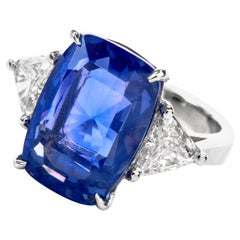 Natural No Heat Cylon Blue GIA Sapphire Diamond Platinum Three-Stone Ring