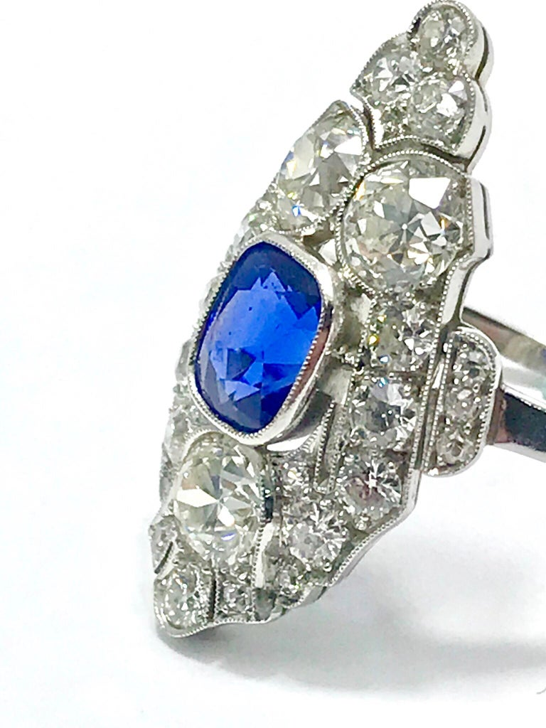Natural No Heat Sapphire and Diamond Art Deco Platinum Ring In Excellent Condition For Sale In Washington, DC