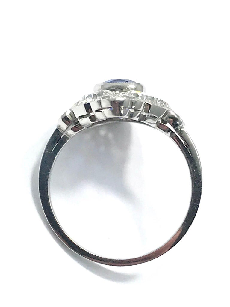 Natural No Heat Sapphire and Diamond Art Deco Platinum Ring For Sale 4