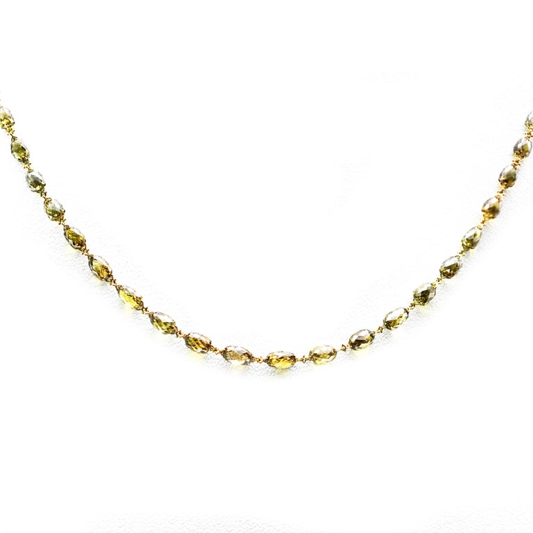 Modern Natural Olive Green Diamond Briollette Chain Necklace in 18 Karat Gold For Sale