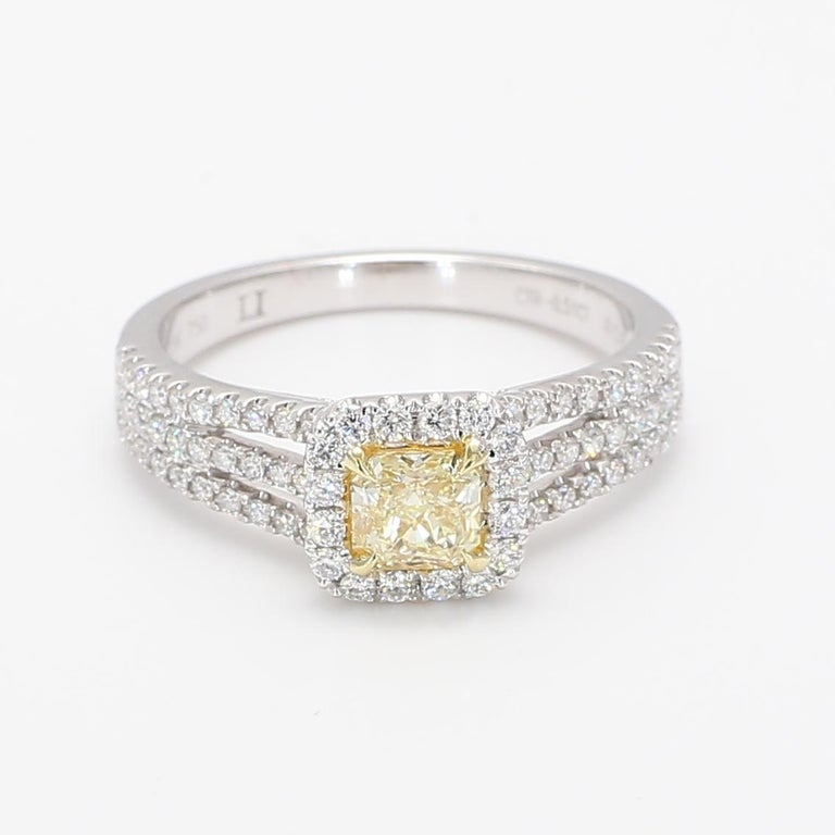 Contemporary Natural Radiant Cut Yellow & White Diamond Ring 0.95 Carats Total 18k Gold For Sale