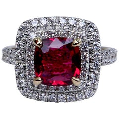Natural Red Spinel 1.51 Carat and Diamond Ring 18K Two-Tone White and Rose Gold