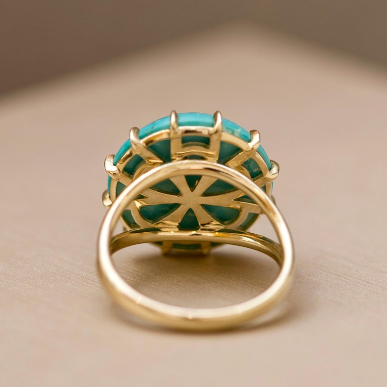 Round Cut Natural Round Blue Turquoise 18 Carat Yellow Gold Ring For Sale