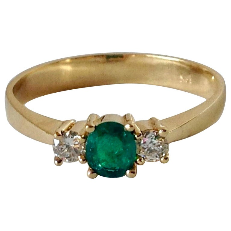 Natural Round Cut Emerald and Diamond Engagement Ring 18K For Sale