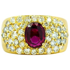 Natural Ruby & Diamond Ring in 18k Yellow Gold, With GIA Ruby Origin Report.