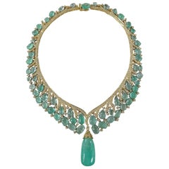 Natural Russian Emerald Necklace Set in 18 Karat Gold with Diamonds