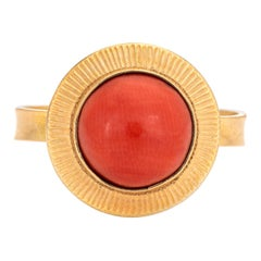 Natural Salmon Coral Ring Vintage 18 Karat Gold Small Round Estate Jewelry