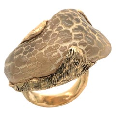 Natural Snakeskin Agate and Gold Ring, 1970s