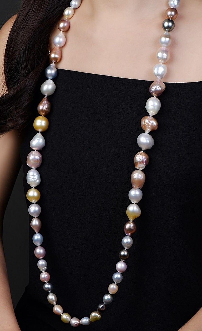 Natural South Sea Multicolored Pearl Necklace In New Condition For Sale In New York, NY