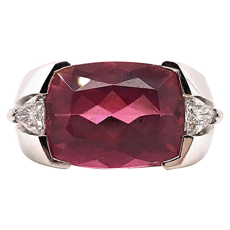 Natural Tourmaline Cushion Shape and Diamonds Triangle Shape on White Gold 18K For Sale