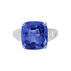 Natural Unheated Blue Sapphire Cocktail Fashion 18 Karat White Gold Ring