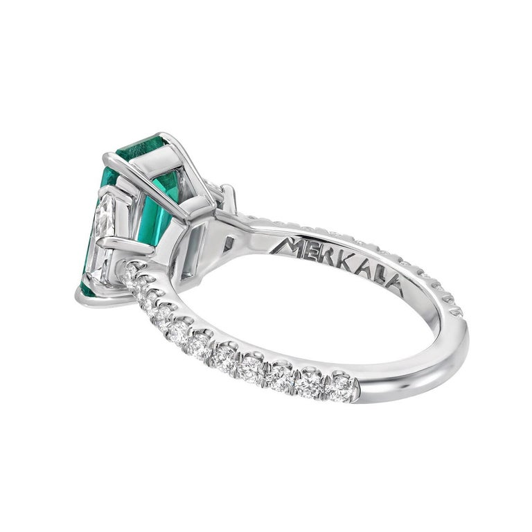 Women's or Men's Colombian Emerald Ring Emerald Cut 2.17 Carats AGL Certified Untreated No Oil For Sale