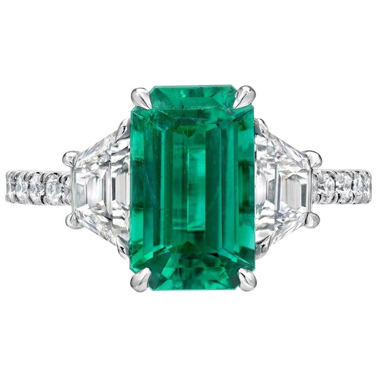 Colombian Emerald Ring Emerald Cut 2.17 Carats AGL Certified Untreated No Oil For Sale